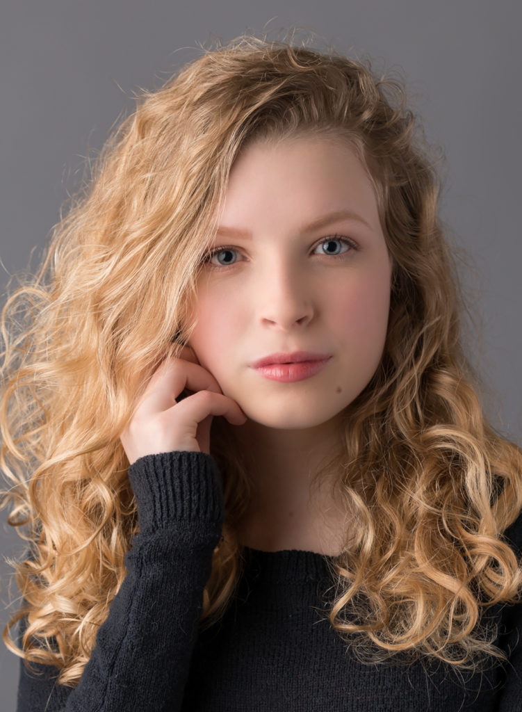 teen girl modeling headshot photos